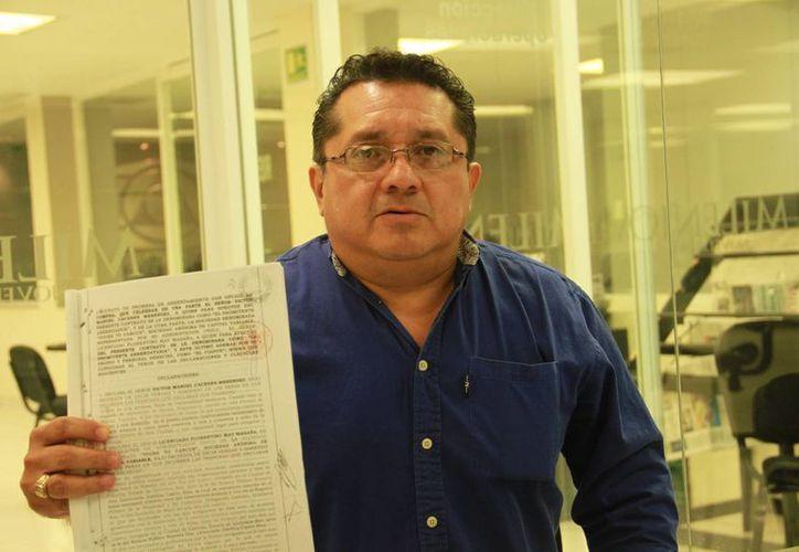 Alfredo Miguel Paz Cetina, gerente de un hotel en Paseo de Montejo, denunció que la clausura del mismo no tiene bases y que todo es una persecusión orquestada por un hombre que se ostentó como funcionario del Gobierno Estatal con 'muchas influencias'. (Jorge Acosta/Milenio Novedades)