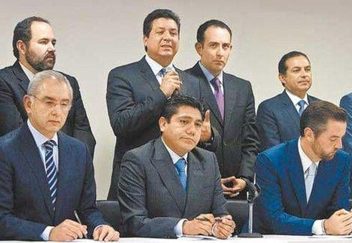 Vega Casillas, Preciado, Gil y Cordero, entre otros panistas durante la conferencia de prensa. (Claudia Guadarrama/Milenio)