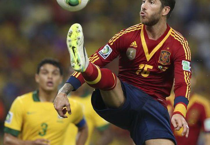 """Ramos, zaguero de Real Madrid no le restó méritos a su rival y no dudó en felicitarlo, """"porque han sabido jugarle a España. (Agencias)"""