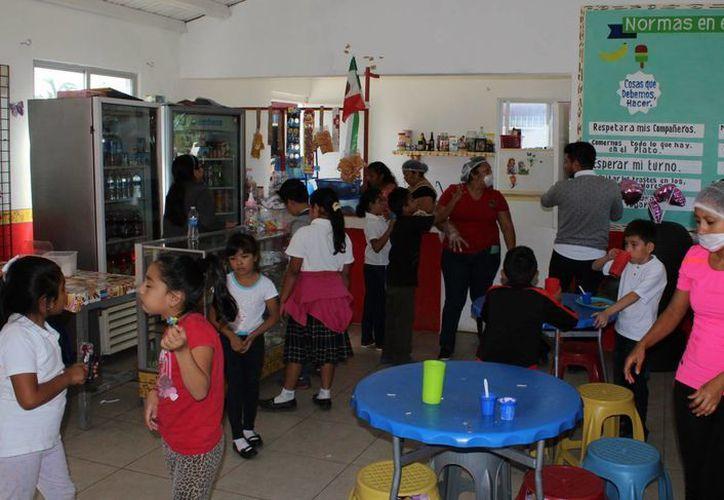 Si el plantel escolar funciona con más de un turno, deberá constituirse una Tienda Escolar por cada uno. (Ángel Castilla/SIPSE)