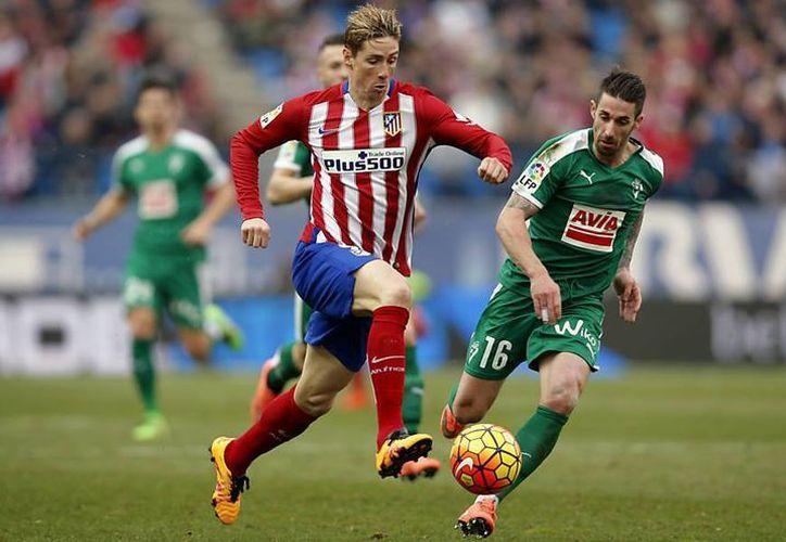 Fernando Torres podría formar parte del equipo rayado para el torneo Apertura 2016. (AP)