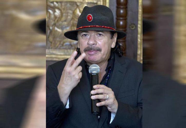 Carlos Santana, quien tiene una estrella en el Paseo de la Fama de Hollywood y su nombre está grabado en el Rock & Roll Hall of Fame de Cleveland, nació el 20 de julio de 1947 en Autlán de Navarro, Jalisco. (Notimex)