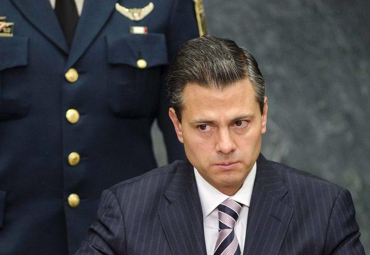 Peña Nieto admitió que la caída en el precio del petróleo hasta julio era mayor a los 30 mil millones de pesos. (huellas.mx)