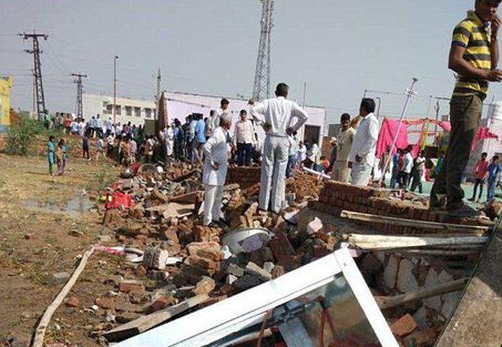 Los colapsos de edificios son comunes en India debido al precario estado de las infraestructuras, la falta de mantenimiento y el uso de materiales de mala calidad. (AFP)