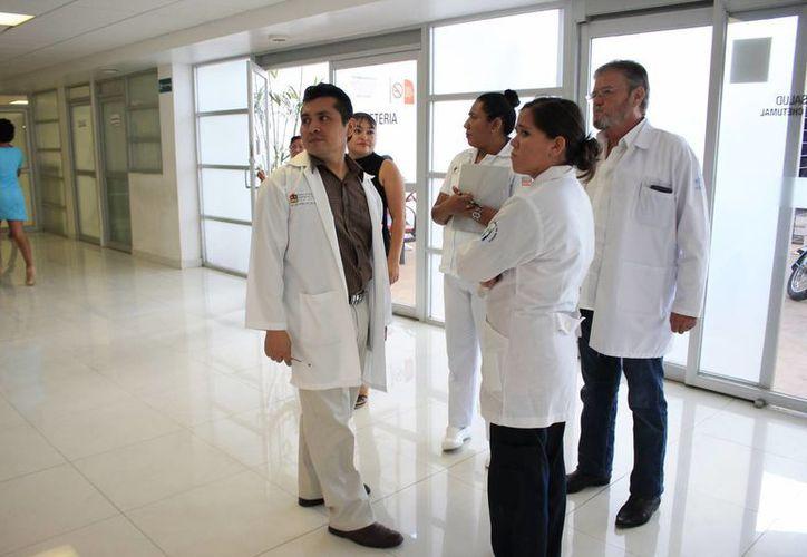 El país no produce ka cantidad suficiente de médicos especialistas en oncología. (Harold Alcocer/SIPSE)