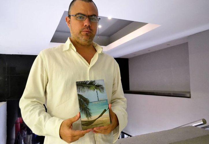 Eduardo Cantillo, mejor conocido como 'Alux Ecuóreo', comentó que presentará su libro, el próximo jueves, a las 20 horas, en el Centro Cultural ProHispen.(Daniel Sandoval/Milenio Novedades)