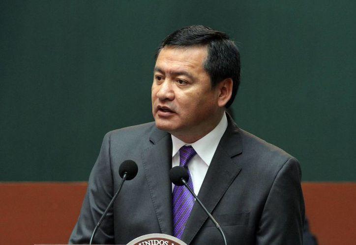 Osorio Chong indicó que los centroamericanos que no cuenten con permiso para laborar en México serán deportados. (Notimex)