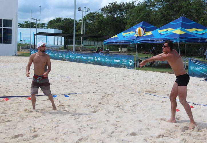 El equipo europeo diariamente realiza sus prácticas. (Miguel Maldonado/SIPSE)