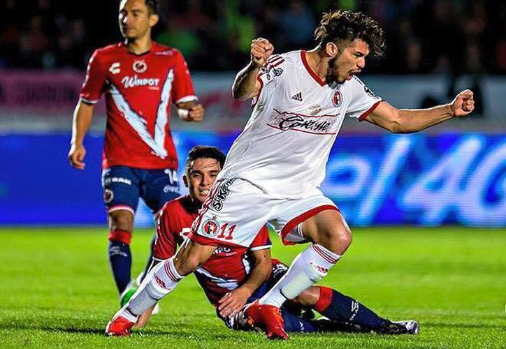 El futbolista yucateco consiguió el gol del empate ante Veracruz, luego de estar abajo por dos goles.(Foto tomada de Xolos.com.mx)