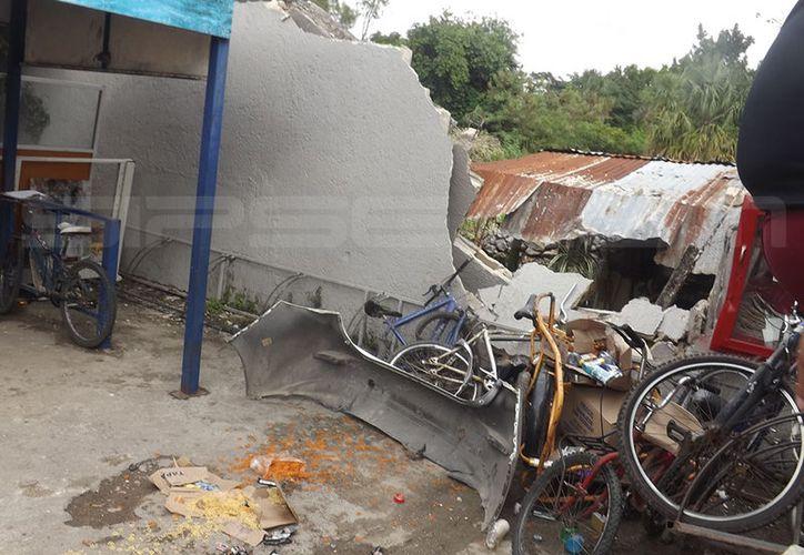 Los destrozos que causó le van a valer varios miles de pesos al joven de 17 años. (SIPSE)