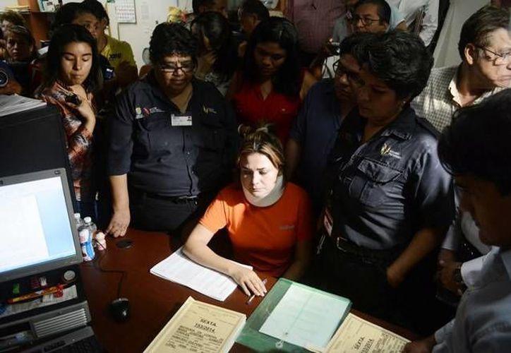 Marijose, funcionaria veracruzana que enfrenta una formal prisión por homicidio, aún usa un collarín y está lastimada de la espalda. (observatorioveracruzano.com)