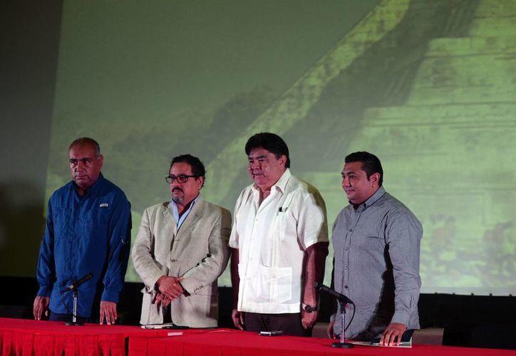 Funcionarios durante la rueda de prensa donde dieron a conocer los pormenores del operativo. (Milenio Novedades)