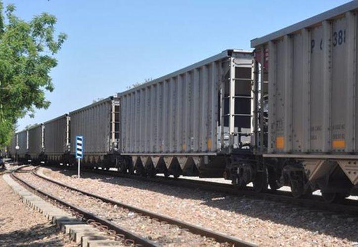 Todas las armadoras automotrices son clientes exportadores del servicio ferroviario. (Agencias/Archivo)