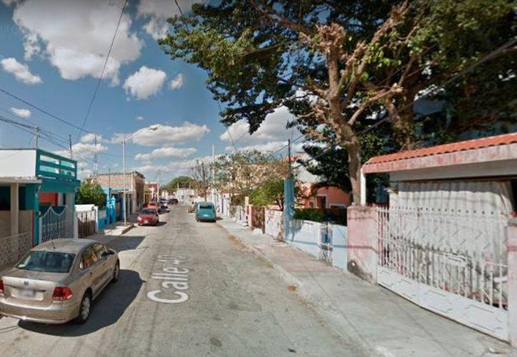 Los hechos sucedieron en la calle 40 entre 49 y 51 del Centro de Mérida. (Foto: captura de pantalla)