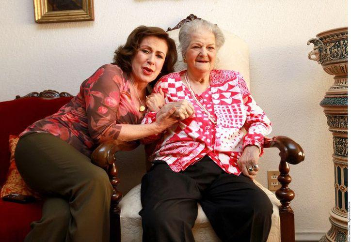 Laura Zapata invitó a Carmen Montejo a pasar con ella y su familia la Navidad. (Foto: Agencia Reforma)