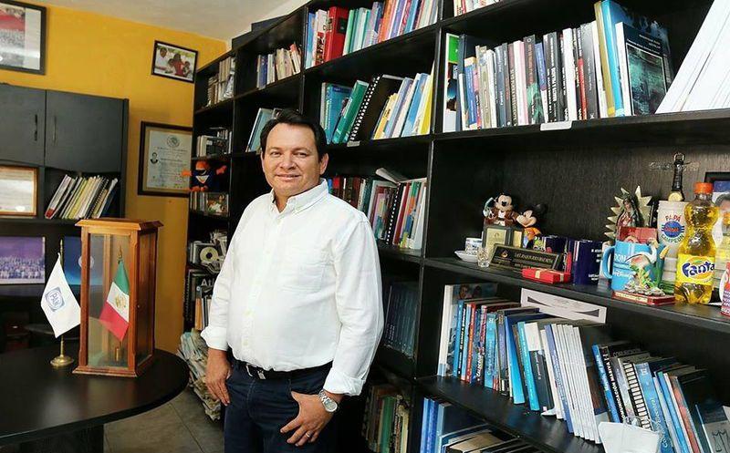 'Huacho' Díaz Mena se había registrado como aspirante a la candidatura a Senador por la primera fórmula. (SIPSE)