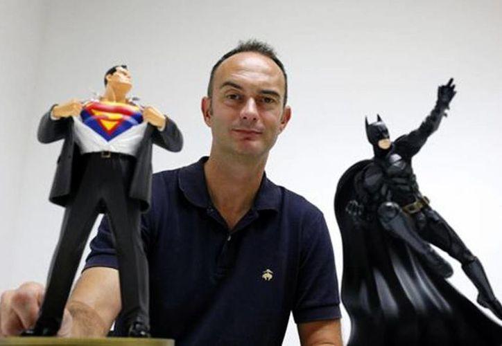 Gary Frank, ilustrador de Batman, habló sobre la realidad que viven sus trazos del caballero de la noche. (EFE/Milenio)