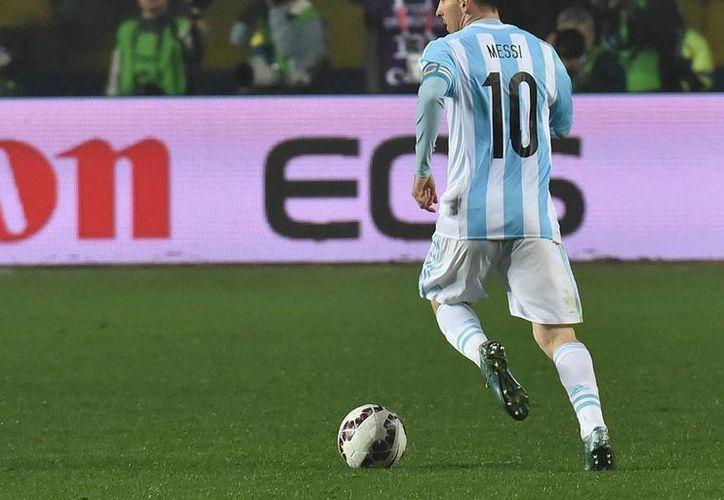 El delantero de la selección de Argentina Lionel Messi estará en el centro de la polémica porque no ha podido ganar nada importante con sus selección. El abuelo del  jugador, Antonio Cuccitini, salió en defensa del astro. (Facebook)