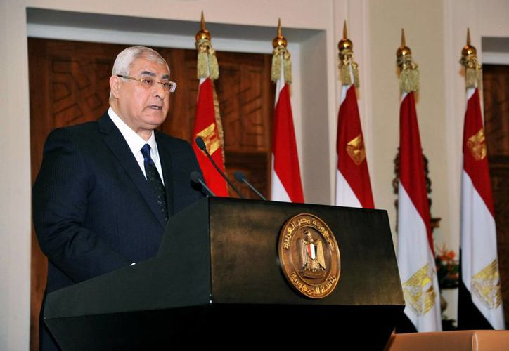 Adli Mansur, presidente interino de Egipto, anunció que el referéndum sobre el nuevo texto constitucional se realizará los días 14 y 15 de enero próximo. (Agencias)