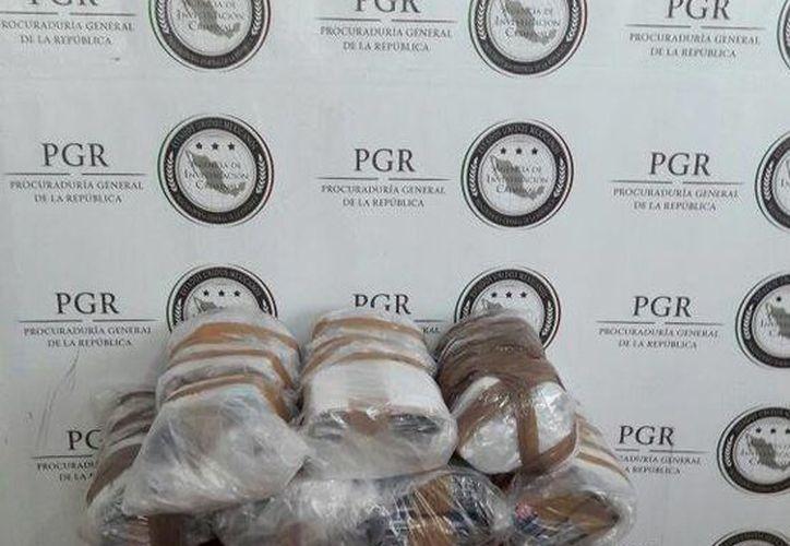 PGR aseguró 17 mil 022 piezas apócrifas en tres municipios de Yucatán. (Foto cortesía)