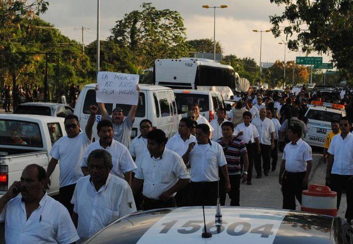 Taxistas que participaron en la trifulca afectaron al destino turístico. (Eric Galindo/SIPSE)