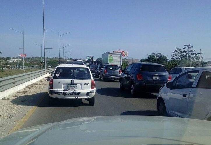 Usuarios de redes sociales reportaron tráfico lento en la zona norte de la ciudad. (Twitter)
