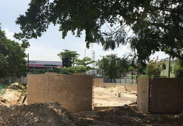 Con parte de los recursos se contemplaba la construcción de una cancha de fútbol de la escuela Xaman Ha. (Carlos Horta/SIPSE)