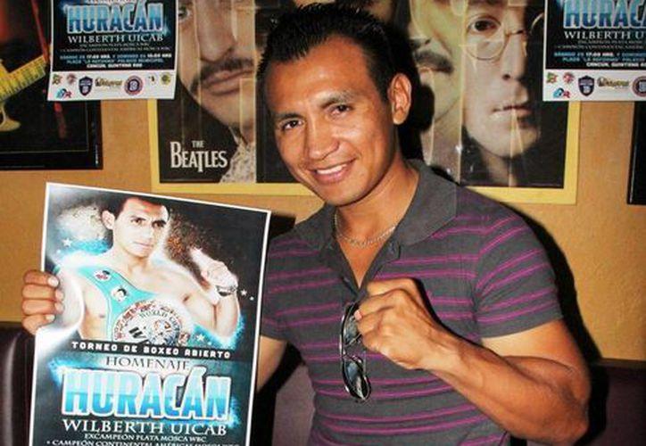 "El cancunense Wilberth ""Huracán"" Uicab posee cinco títulos como boxeador profesional. (Redacción/SIPSE)"