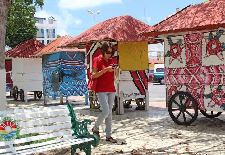 El parque de Las Palapas es uno de los lugares en los que se ofrece servicio de internet gratuito. (Jesús Tijerina/SIPSE)