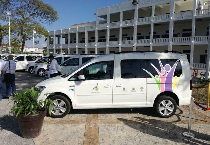 El DIF Quintana Roo pretende comprar 13 vehículos terrestres adaptados para personas con discapacidad, por 7.5 millones de pesos. (Ángel Castilla/SIPSE)