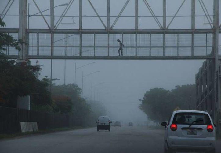 Una vaguada y el ingreso de humedad propiciarán hoy aguaceros en el Estado. (Foto: archivo/SIPSE)