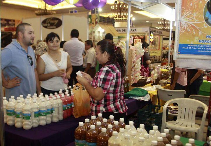 El Plan Estatal de Desarrollo va por la consolidación de los emprendedores. Muchos de ellos ya venden sus productos en exposiciones. (Milenio Novedades)