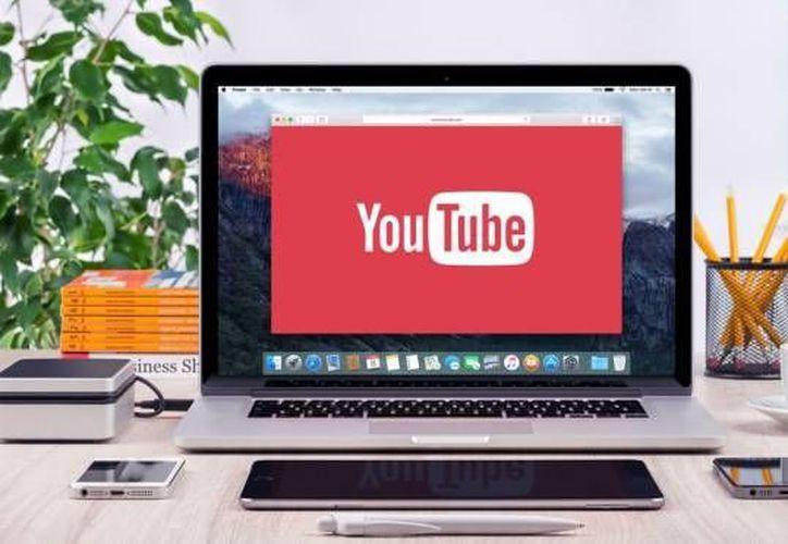 La extensión QueueTube permite hacer búsquedas de videos mientras reproduces otro. (Hipertextual)