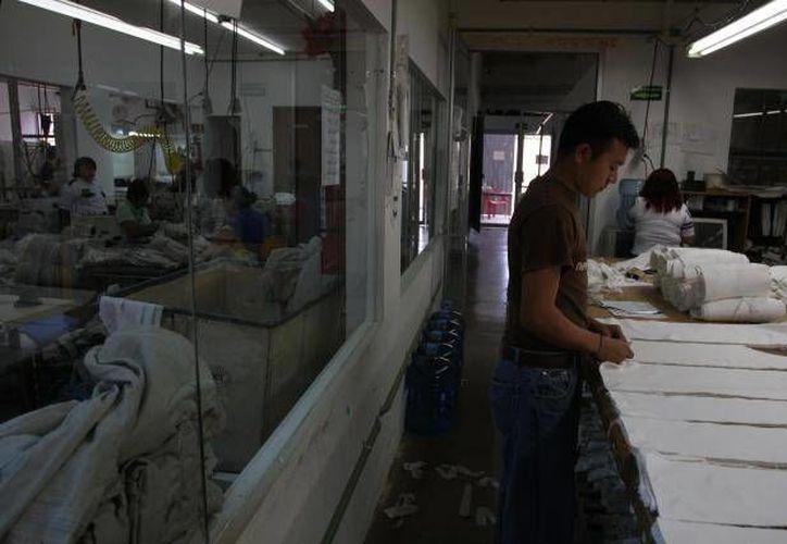 La industria del vestido en México se expandió 3.1 por ciento en el primer semestre de 2013. (SIPSE)