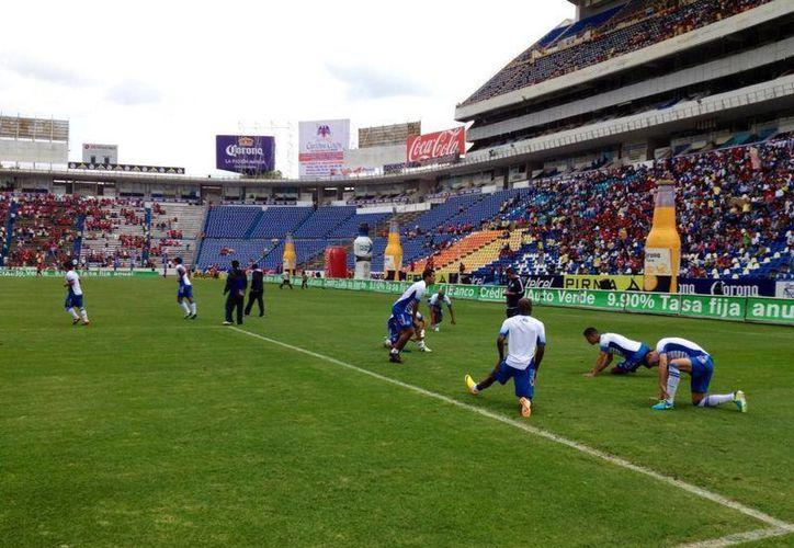 Aunque 'La Franja' se preparó a conciencia para enfrentar a los 'escualos' veracruzanos, no pudo meterle ni un gol. (@Pueblafcoficial)