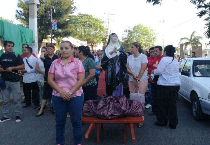 La marcha del Silencio es una más de las expresiones de la religión católica que se celebran durante el Viernes Santo. (Verónica Fajardo/SIPSE).