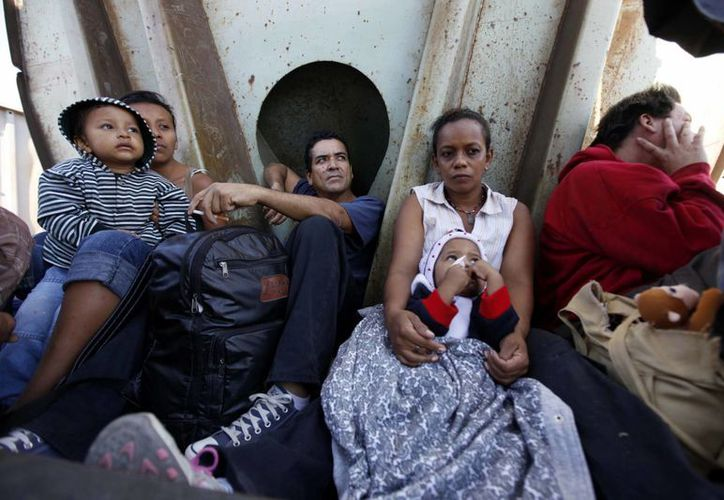 La cifra de mexicanos en EU se ha triplicado desde 1990. (Archivo/Agencias)