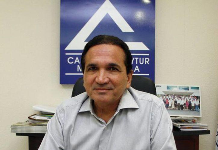 El presidente de la Canacome, José Manuel López Campos, afirmó que pretenden colaborar en la ampliación del número de contribuyentes en el país y revertir las cifras de la economía informal. (Milenio Novedades)