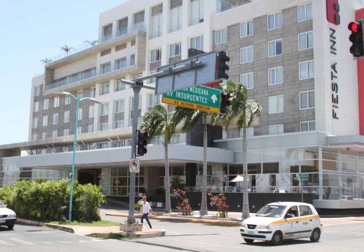 Aunque el turismo nacional no acostumbra a hacer reservaciones, los hoteleros prevén una excelente temporada. (Joel Zamora/SIPSE)