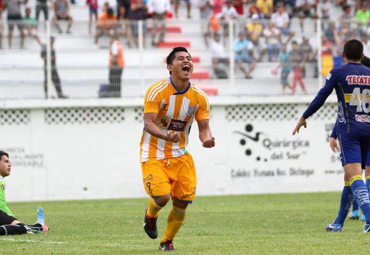 Con tan sólo tres temporadas en la LNT, Pioneros superó la expectativa y regresó a las gradas del estadio Cancún 86. (Ángel Mazariego/SIPSE)