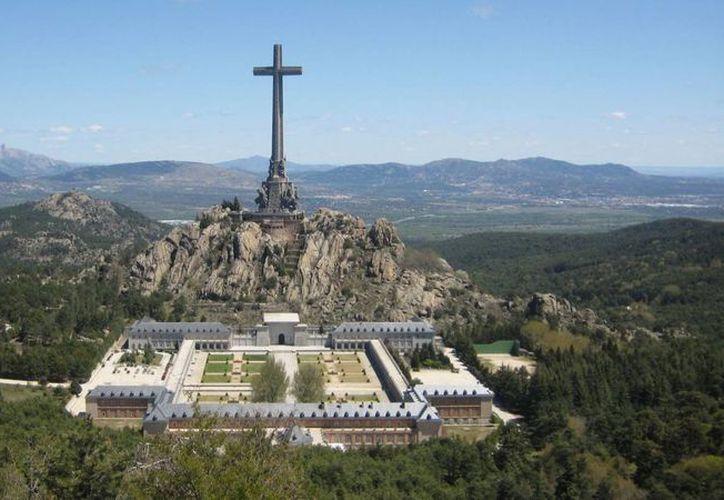 El Valle de los Caídos es la monumental última morada de quien fuera la persona más odiada por unos, y por otros amada: Francisco Franco Bohamonde. (republica.com)