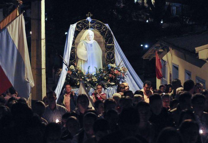 En el barrio donde vivió Santa Laura Montoya hubo una auténtica fiesta. (Agencias)