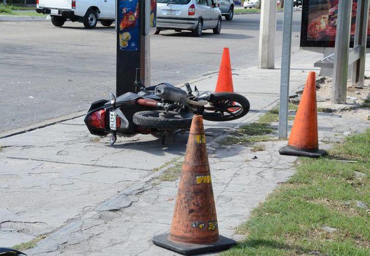 El motociclista inmediatamente fue trasladado al hospital. (SIPSE)
