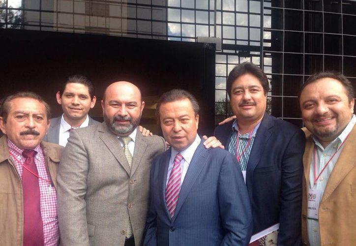 Diputados locales de Yucatán con el presidente nacional del PRI, César Camacho Quiroz. (SIPSE)