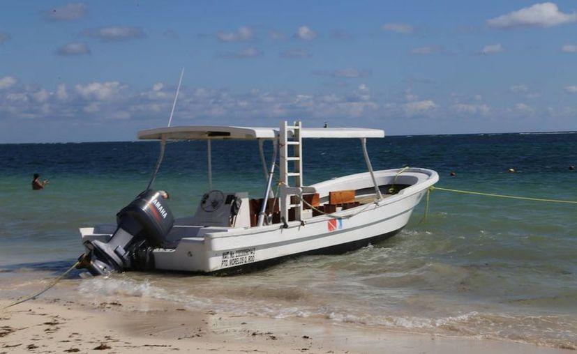 Suspenden las actividades acuáticas deportivas debido a los fuertes vientos. (Luis soto/SIPSE)