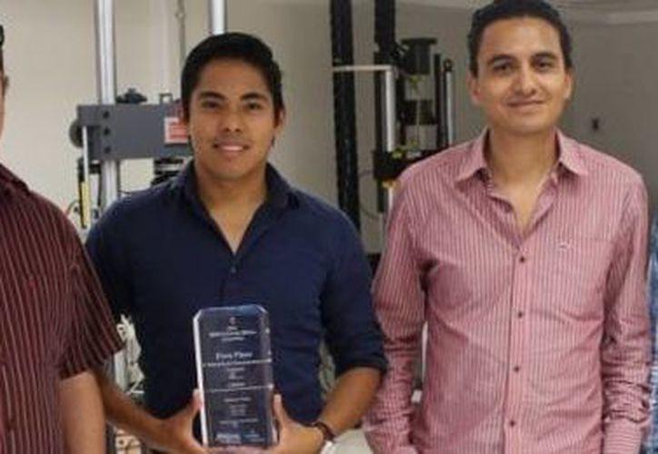Los jóvenes ganadores son estudiantes del CIDESI (Centro de Investigación y Desarrollo Industrial). (conacyt.mx)