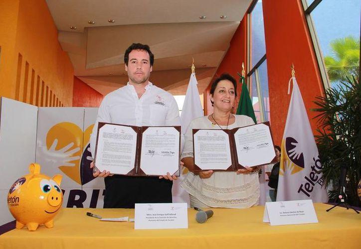 Talleres en inclusión, y en prevención de violencia familiar y escolar, serán posibles gracias a un convenio firmado entre la Codhey y el Crit Yucatán. (Fotos cortesía del Gobierno estatal)