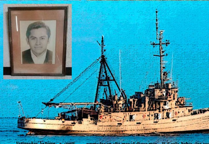 El tercer maestre Fernando Candelario Hau Pasos (recuadro) mandó el último mensaje antes del  hundimiento del Remolcador R-4. (Especial)