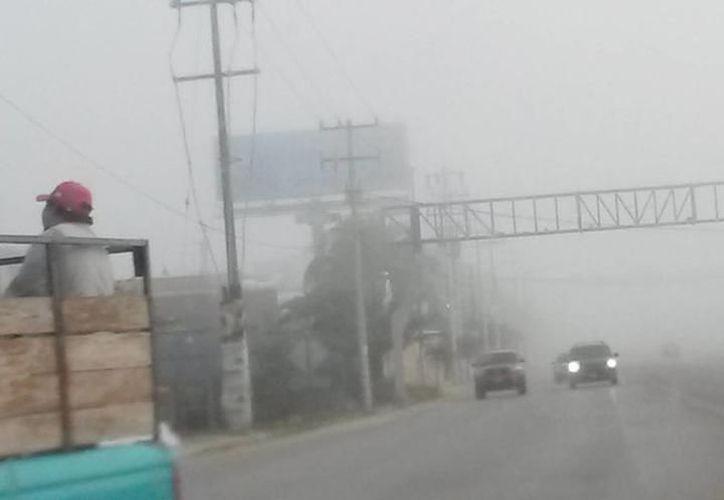 La neblina se hizo presente esta mañana en la entidad. (SIPSE)