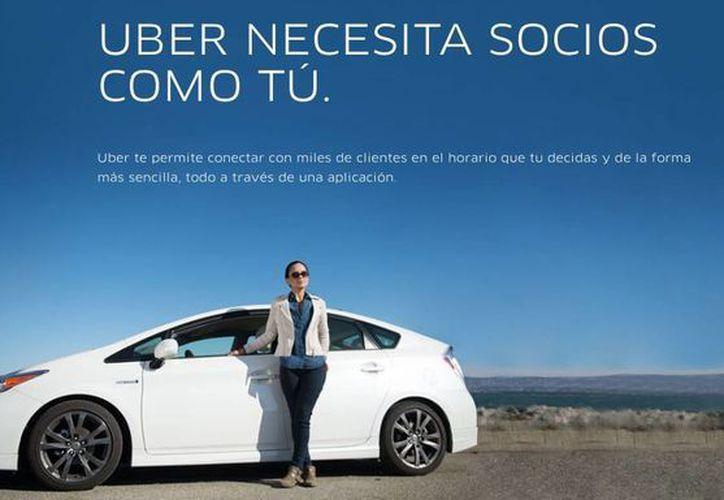 La empresa recluta a quienes desean ser choferes y socios. (Miguel Ángel Ortiz/SIPSE)